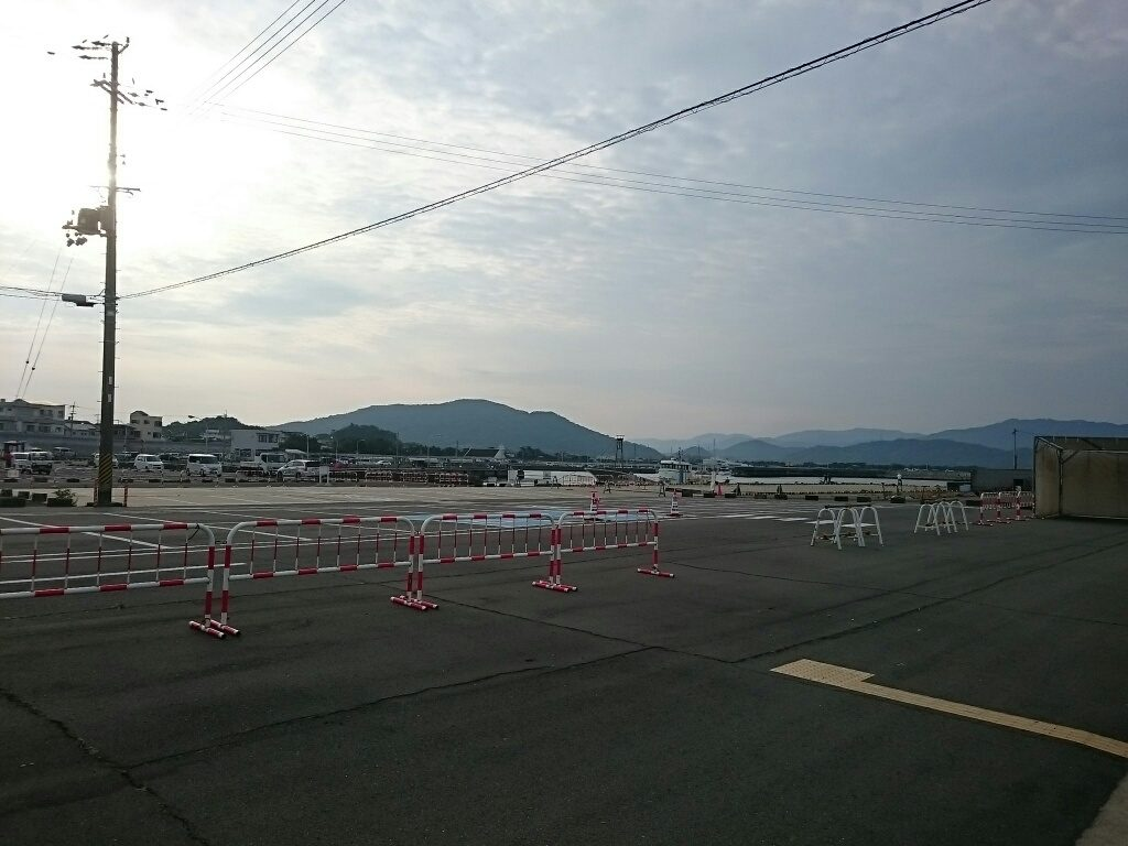 新和歌浦漁港駐車場